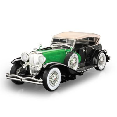 1:18-Scale 1934 Duesenberg Model J Diecast Car With Base by
