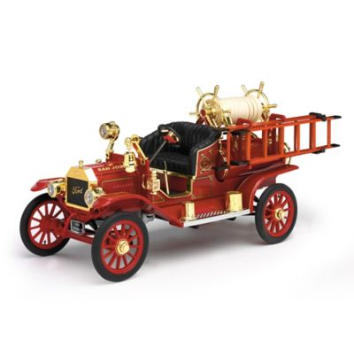 1:18-Scale Ford Model T 1914 Fire Engine Diecast Truck by