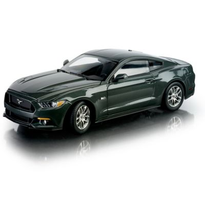 1:18-Scale 2015 Ford Mustang GT Diecast Replica Car: Green by