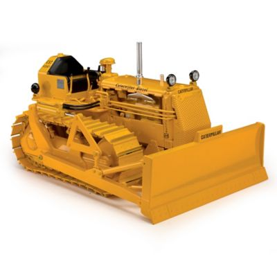 1:16-Scale Caterpillar D4 7U Diecast Tractor With 4S Blade by
